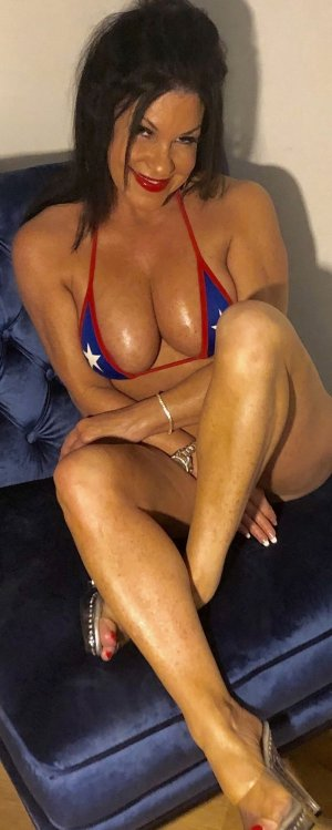 Rejeanne outcall escort in Graham