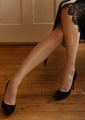 Louise-anne escorts in Lompoc