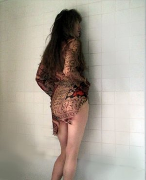 Cecilya escort girl in Yakima